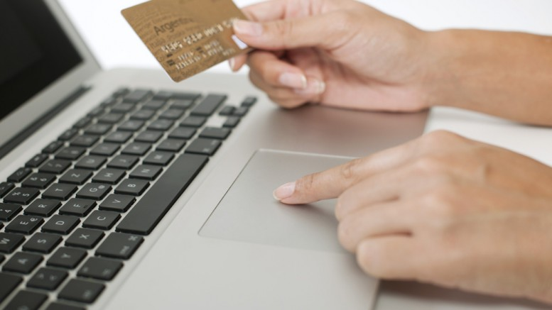 Uso do cartão de crédito pode trazer mais segurança para as compras on-line. (Crédito: Reprodução)