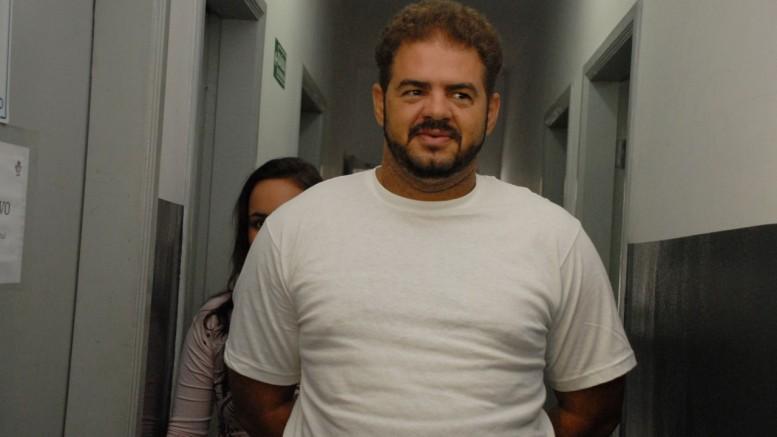 Estelionatário de 36 anos está preso em Goiânia. Ele nega as acusações. (Crédito: Reprodução)