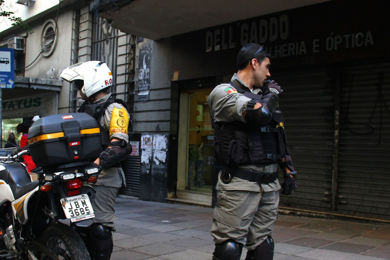 b80c3334ed5 Joalheria no Centro de Porto Alegre é assaltada - Jornal O Sul