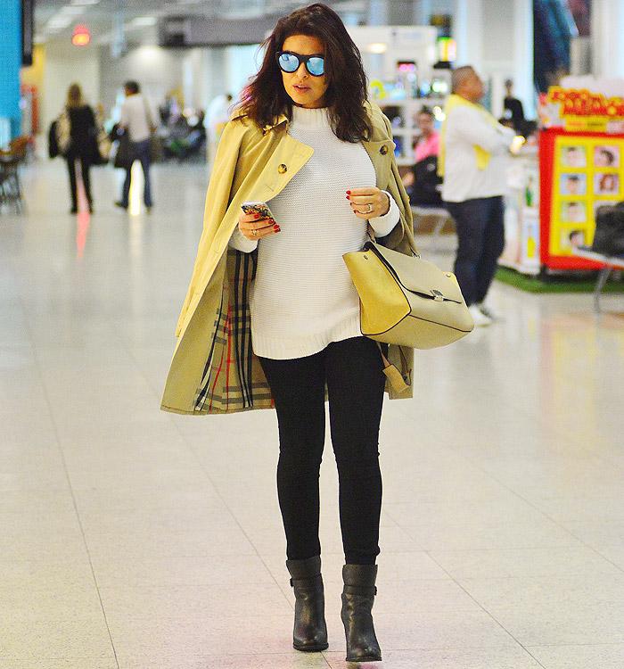 9078c8b86 Bruna Marquezine mostra estilo com look branco em aeroporto - Jornal ...