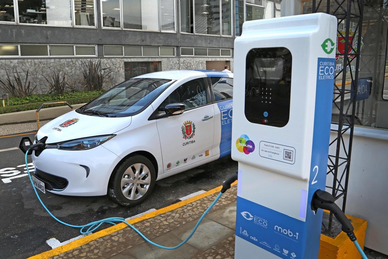Programa Curitiba Ecoelétrico é resultado de uma parceria entre Prefeitura de Curitiba, Renault do Brasil, Itaipu Binacional e CEIIA. Foto: Divulgação
