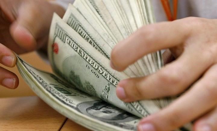 Moeda norte-americana alcançou a maior cotação desde o dia 28 de março de 2003. (Foto: AFP)