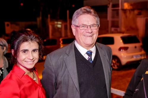 Luciana Moglia e o secretário munidicpal da Cultura, Roque Jacoby  (Foto: Vini Dalla Rosa/divulgação