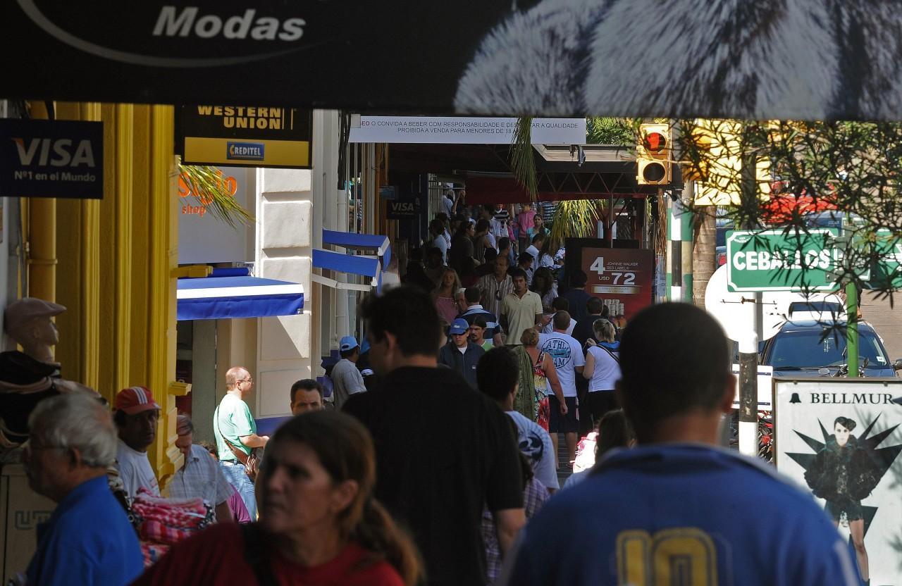 Gastos de brasileiros no exterior em abril são os menores para o mês desde 2009