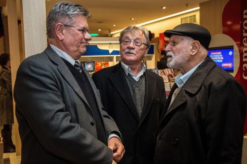 Roque Jacoby, Paulo Ledur e Armindo Trevisan estiveram visitando o mega espaço de livros. (Foto: Jackson Ciceri/ o Sul)