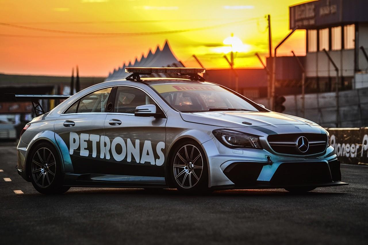 Mercedes-Benz Challenge 2015