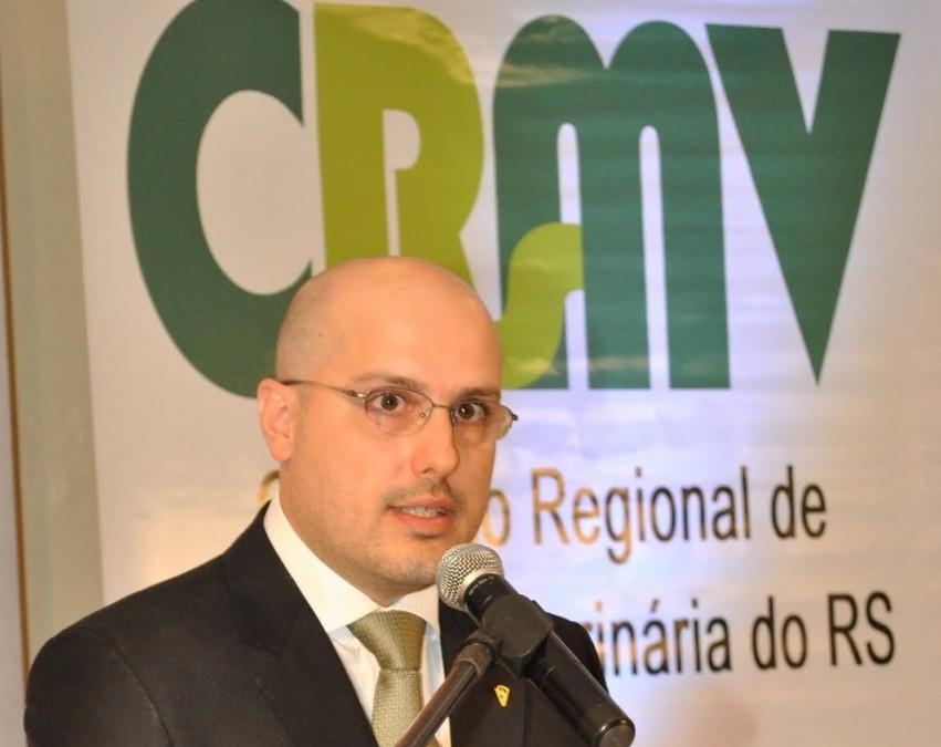 Rodrigo Lorenzoni é o presidente do CRMV-RS