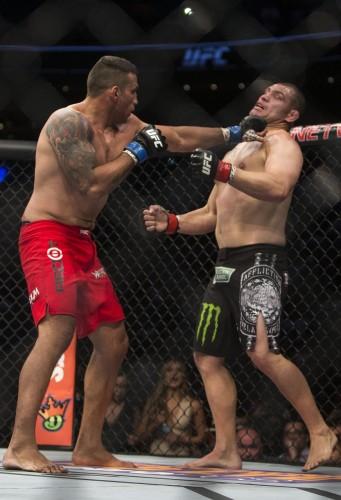 Luta em junho garantiu o cinturão do UFC ao gaúcho (Foto: AP Photo/Christian Palma)