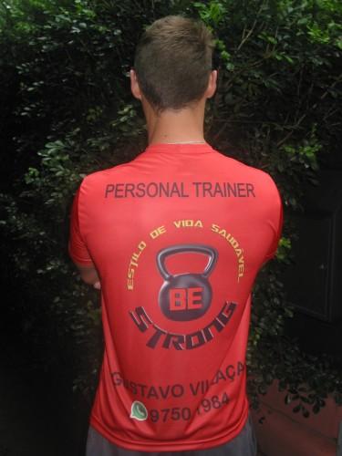 """As t-shirts da """"Be Strong"""" seguem o estilo em voga na Austrália. (Foto: Paulo Raymundo Gasparotto/especial)"""