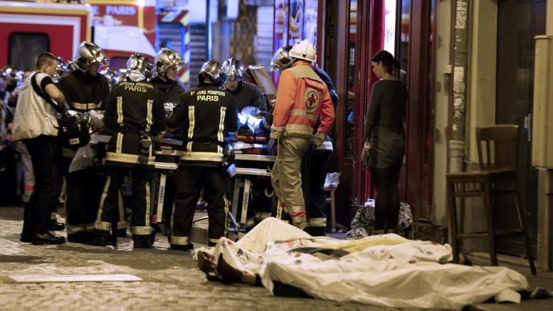 Foi o primeiro encontro com parlamentares após os atentados em Paris. (Foto: Jacques Brinon/AP)