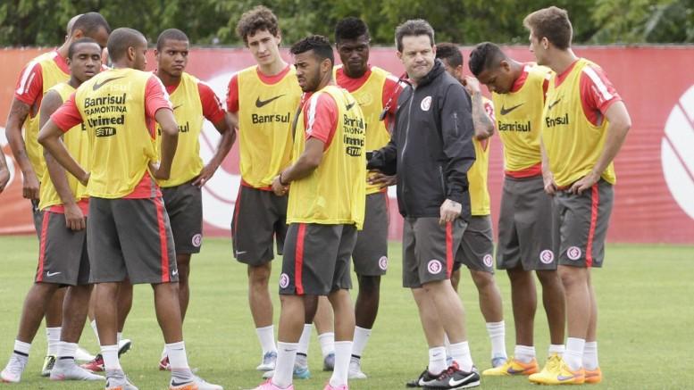 Todos os jogadores que estavam no treino fizeram o exame antidoping. (Foto Itamar Aguiar/Agência Freelancer)