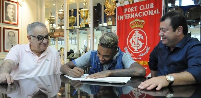 Jogador foi o goleador colorado no Brasileirão deste ano. (Foto: Inter)