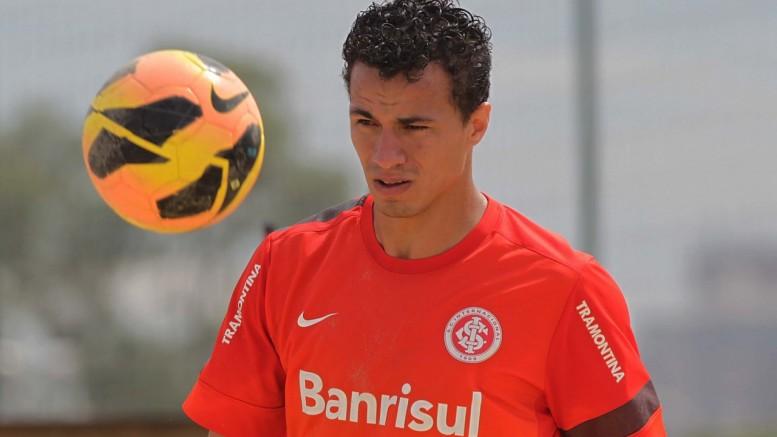 Leandro Damião ainda não definiu o seu futuro. (Foto: Itamar Aguiar/AE)