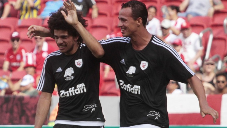 Damião (D) estuda oferta do Galatasaray. (Foto: Itamar Aguiar/Agência Freelancer)