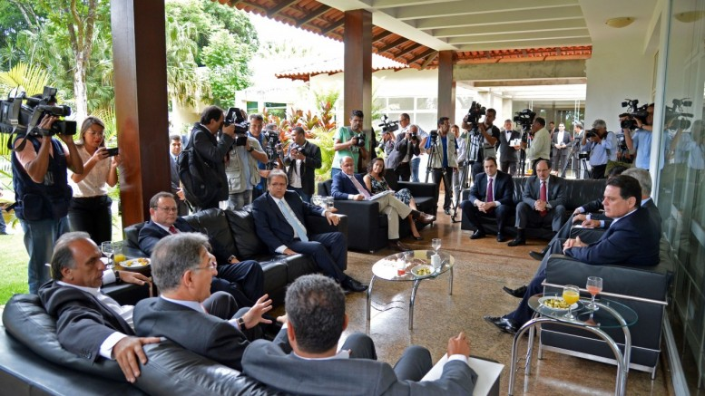 Governadores se reuniram na residência oficial do governador do Distrito Federal, Rodrigo Rollemberg. (foto: Wilson Dias/Agência Brasil)