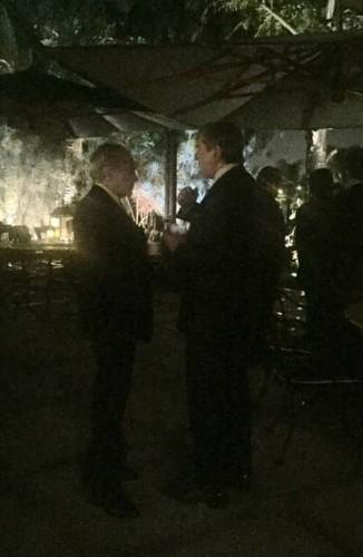 Temer passou bom tempo conversando com o senador e ex-presidente Fernando Collor. Foto: Reprodução