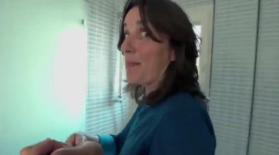 dac1d95da Propaganda de produto de limpeza em que mulheres aparecem fazendo faxina é  proibida de ser veiculada na Espanha