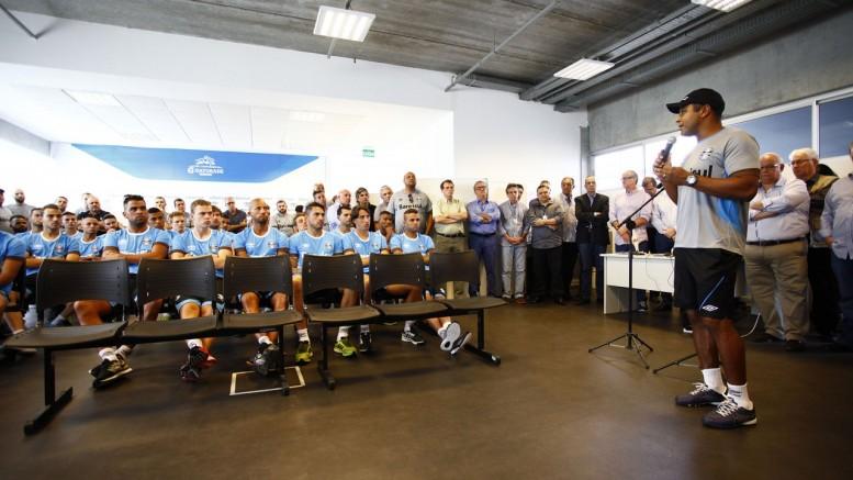 Técnico Roger falou em conquistas para 2016. (Foto: Lucas Uebel/Grêmio)