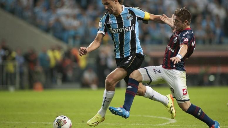 Grêmio volta a enfrentar o San Lorenzo, que o eliminou em 2014. (Foto: Ramiro Furquim/AGIF / Agência O Globo)