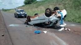 Condutor perdeu o controle do automóvel. (Foto: PRF/Divulgação)