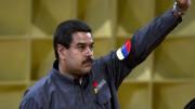 Decreto de emergência econômica dará mais poderes ao presidente da Venezuela para intervir  nas empresas privadas e controlar o câmbio interno e externo. Foto: Juan Barreto/AFP