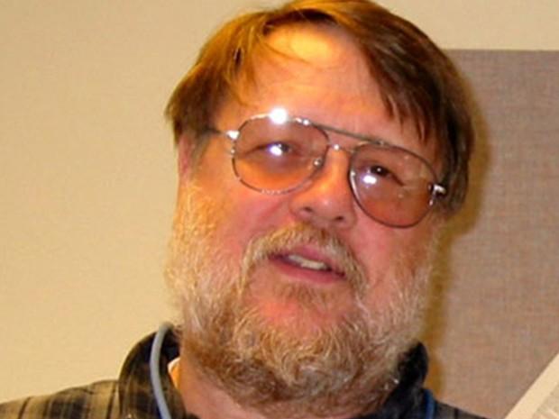 Raymond Tomlinson, considerado o pai do e-mail