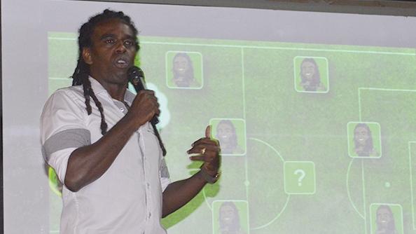 Tinga expõe projeto de formação de atletas para os alunos da Ulbra Canoas 15c5fd83aea