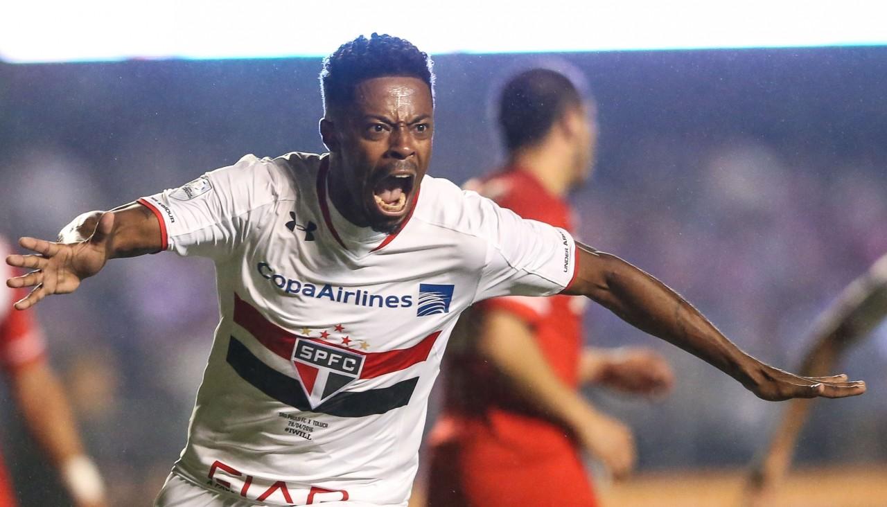 São Paulo goleia Toluca por 4 a 0 pela Libertadores 34a123319f339