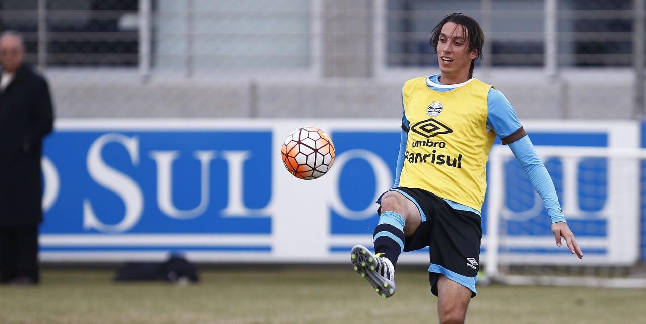 Grêmio terá a estreia de Edílson contra o Flamengo bd9341969861d