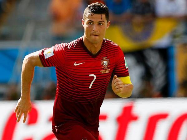 e0eaa1a0f3fa2 Jogadores da seleção portuguesa usam sapatos da marca de Cristiano Ronaldo