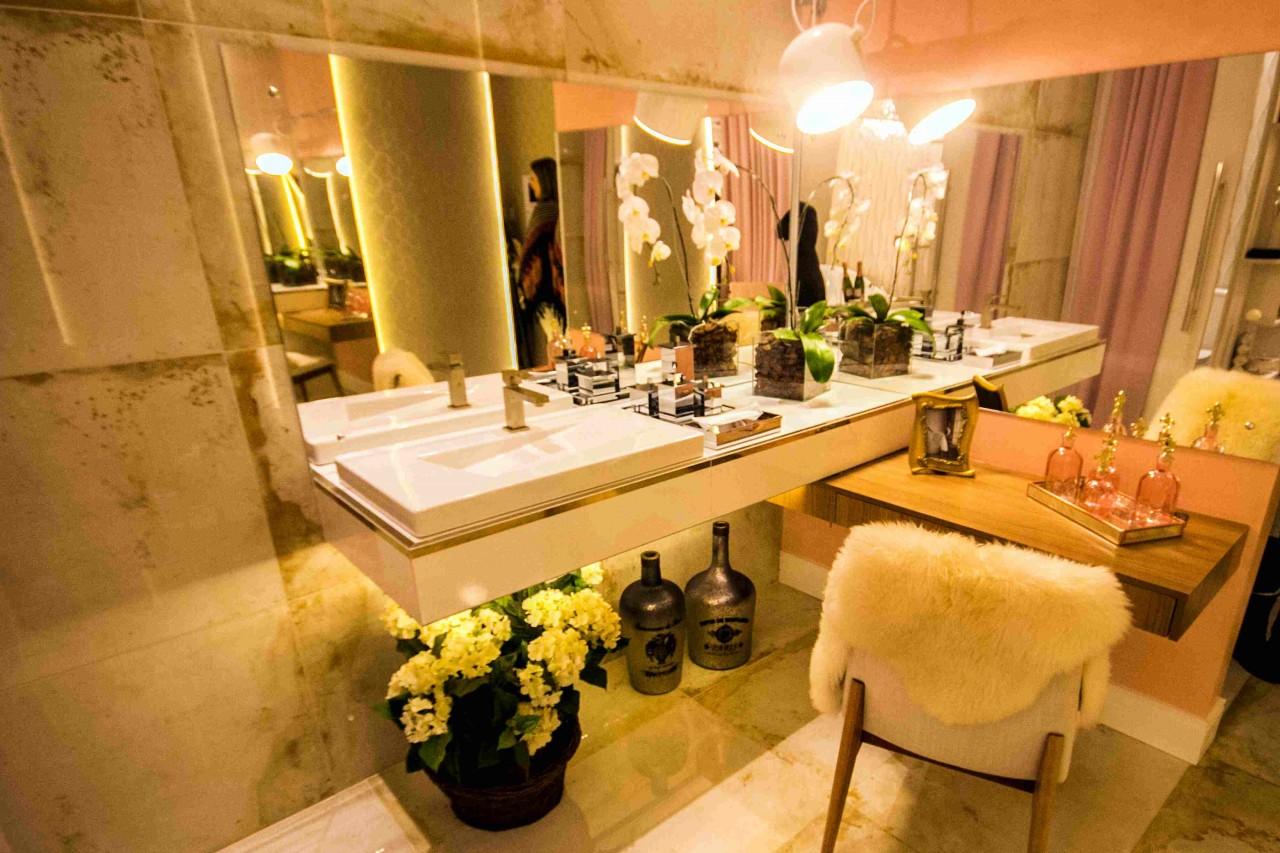 Banheiro da Bailarina na Casa Cor RS O Sul #B94F09 1280 853