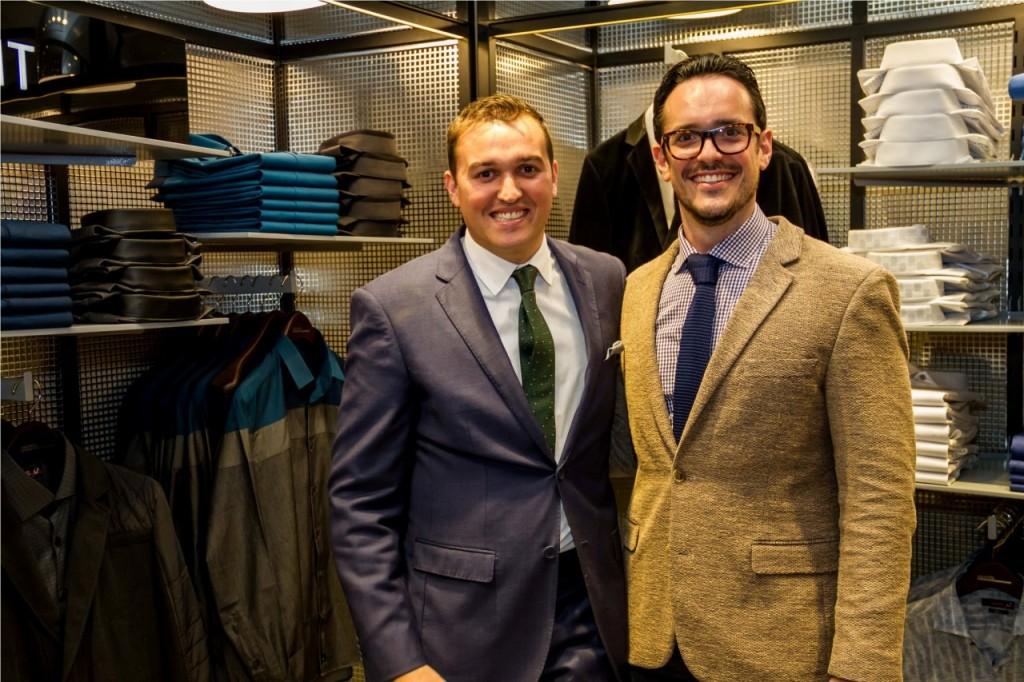 Felipe Rangel e Richard Stad, CEO da grife, na inauguração da loja Aramis Menswear no BarraShoppingSul. (Foto: Pedro Antonio Heinrich/especial)