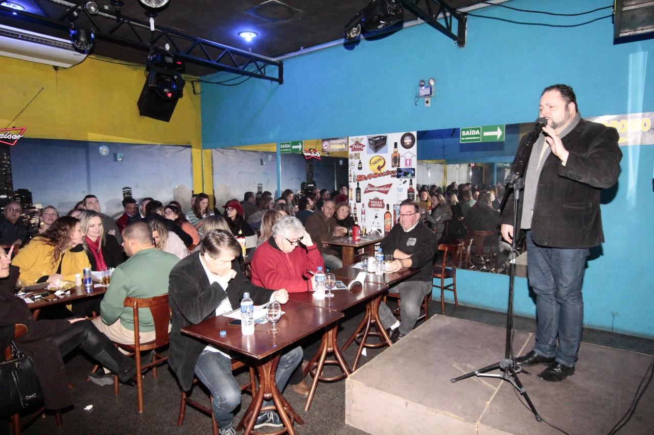 Evento foi remarcado para o dia 19 de abril, uma quarta-feira, a partir das 20h, no Boteco Babilônia Videokê. Candidatos podem se inscrever no site www.kwcbrasiloficial.com.