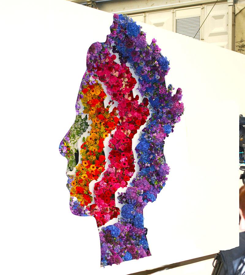 O retrato, composto com mais de 10 mil flores, ganhou o prêmio Novo Design. (Foto: Reprodução)