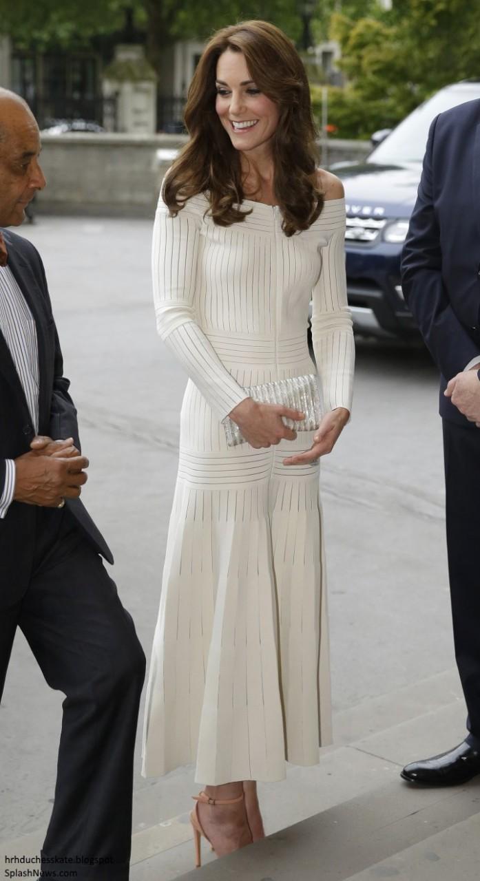 01b9e3f96 Kate Middleton usa vestido de 10 mil reais de estilista gaúcha ...