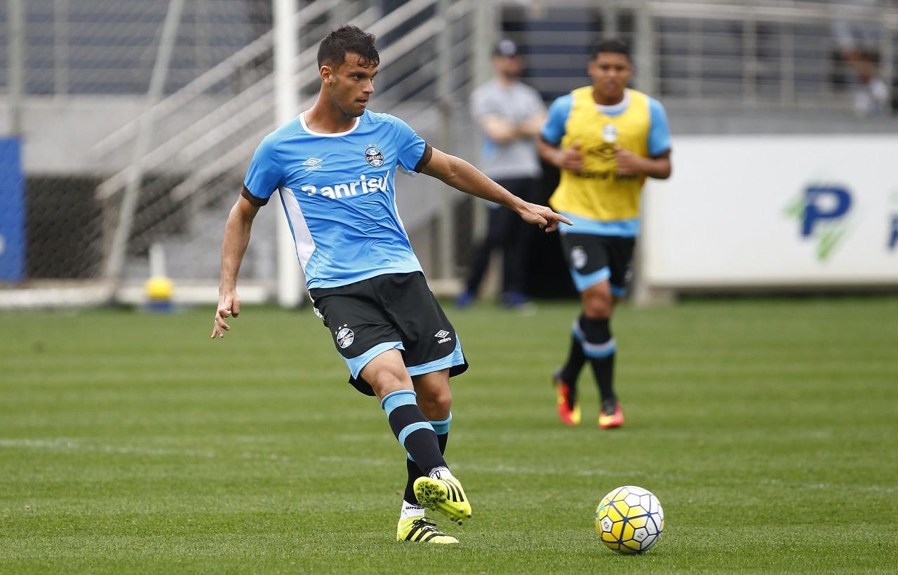 Zagueiro Rafael Thyere marcou dois gols no coletivo desta terça. (Foto: Lucas Uebel/Grêmio)