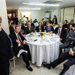 Porto Alegre 2016 -  Almoço com a FCDL. Lançamento da QComércio. Economista Eduardo Starosta  . FOTO - Jackson Ciceri