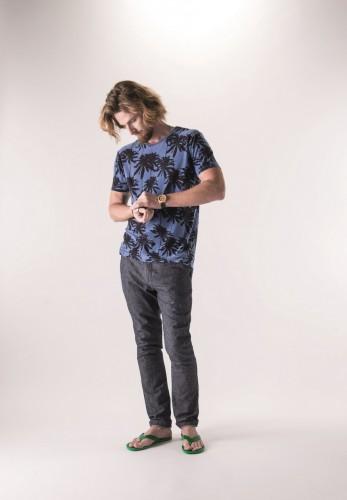 O modelo Matheus Ely em clique para a nova campanha da Hemb. (Foto: Celso Chittolina/divulgação)