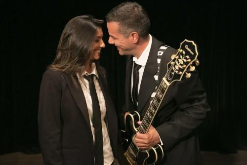 Música e bom humor: Cristiane Silva e Paulo Inchauspe se apresentarão no Teatro Bruno Kiefer. (Foto: Divulgação)