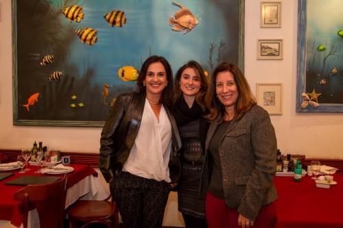Janaina Alberti, Laura Vogt Ferreira e Miriam Venturella provaram bons vinhos e pratos lusos. (Foto: Pedro Antonio Heinrich/especial)