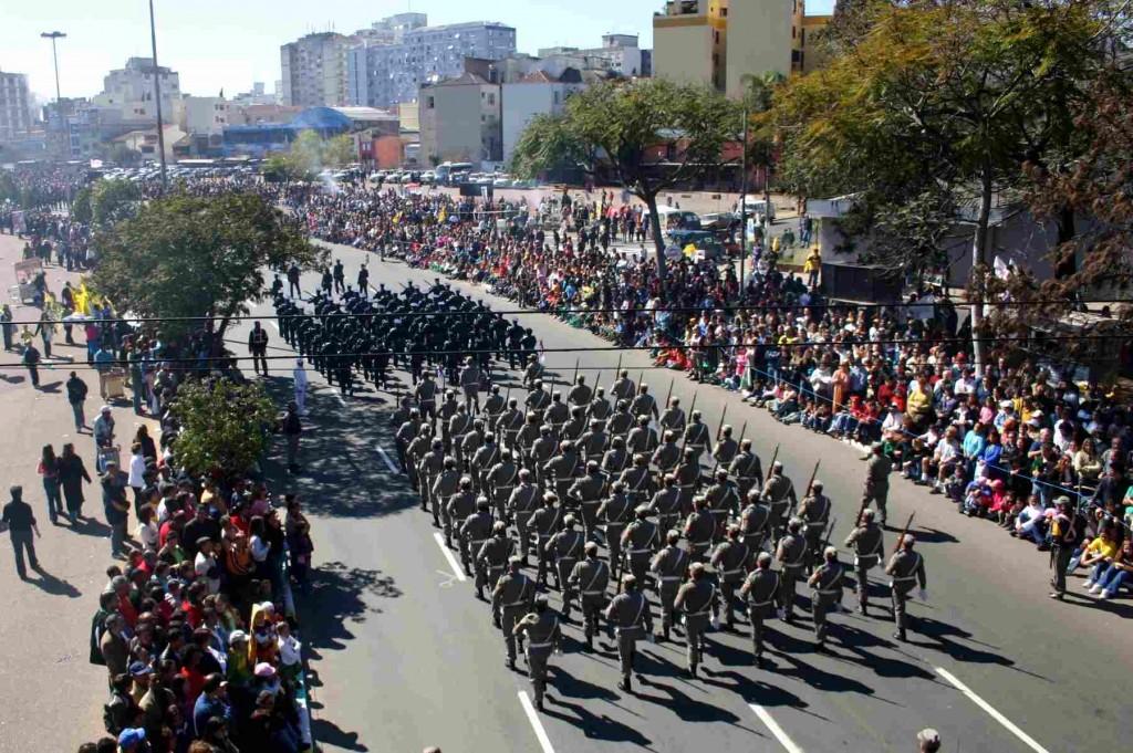 Desfile está previsto para começar às 10h (Foto: Jackson Ciceri/O Sul)
