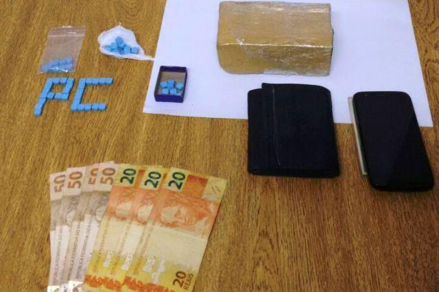 Policiais apreenderam LSD, cocaína, ecstasy e maconha (Foto: Polícia Civil/Divulgação)