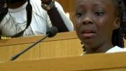 Zianna Oliphant interrompeu, com fala improvisada, assembleia na cidade de Charlotte. (Foto: Reprodução)