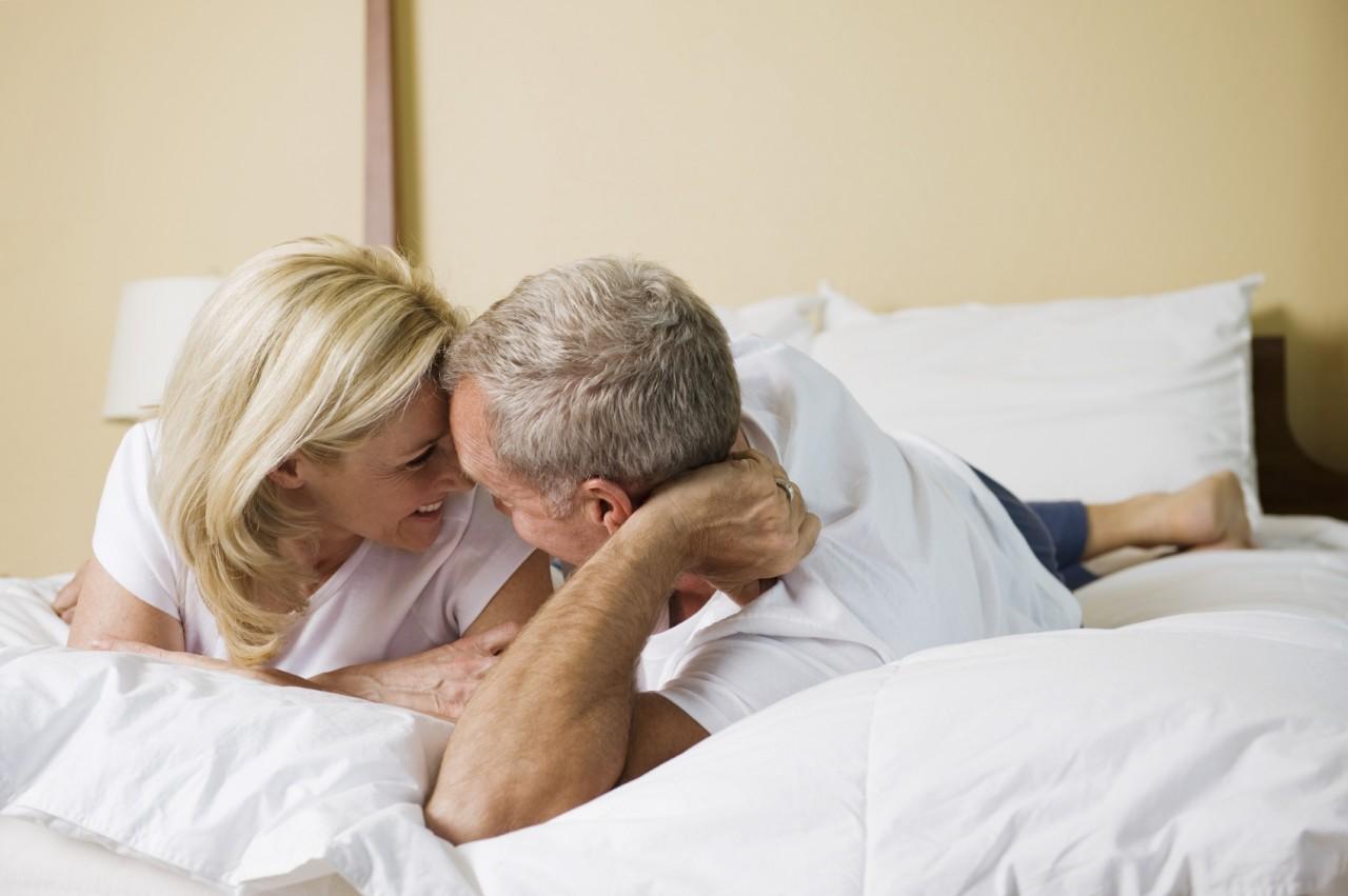 sexo entre velhos homens vip