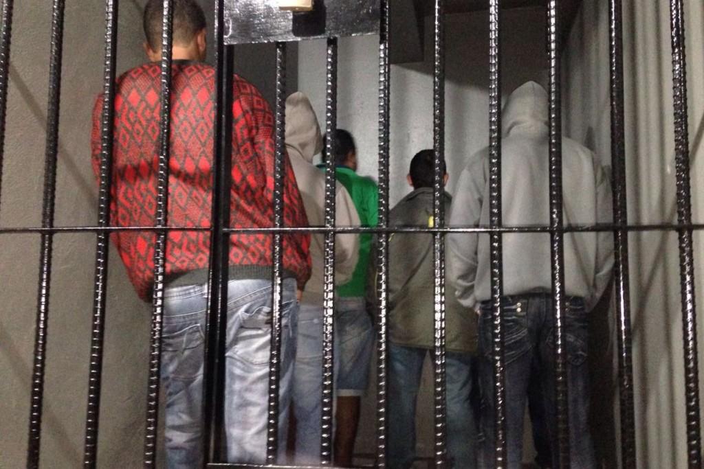 Presos foram conduzidos para a delegacia de Sapiranga (Foto: Polícia Civil/Divulgação)