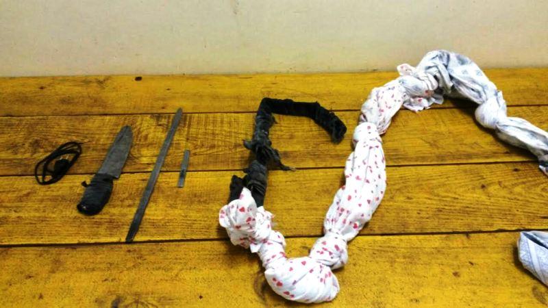 Durante revista, foram encontradas uma corda de pano e faca artesanal. (Foto: Divulgação Susepe)