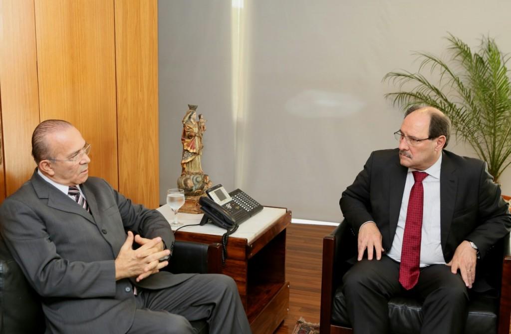 Governador negocia ressarcimento com ministro-chefe da Casa Civil. (Foto: Luiz Chaves/Palácio Piratini )