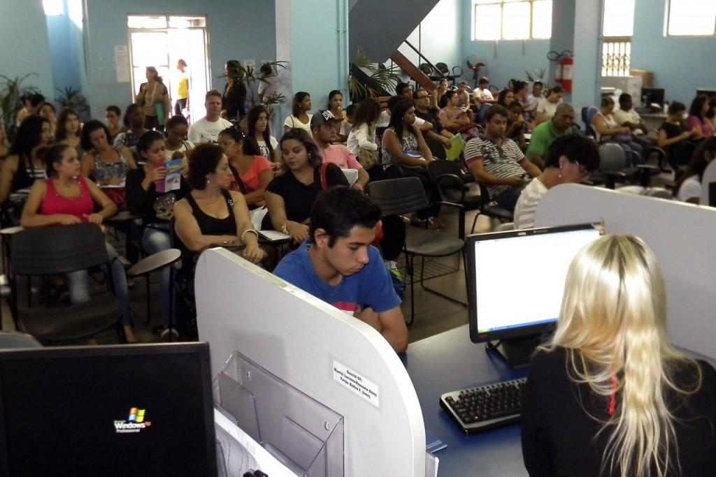 Na entrevista de cadastramento, será solicitada a qualificação exigida (Foto: Rafael Polo/Divulgação PMPA)
