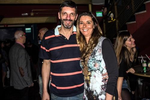 Leticia Azevedo e Marcelo Cabral Corrêa receberam no aniversário dele no Divina Comédia. (Foto: Jackson Ciceri/O Sul)