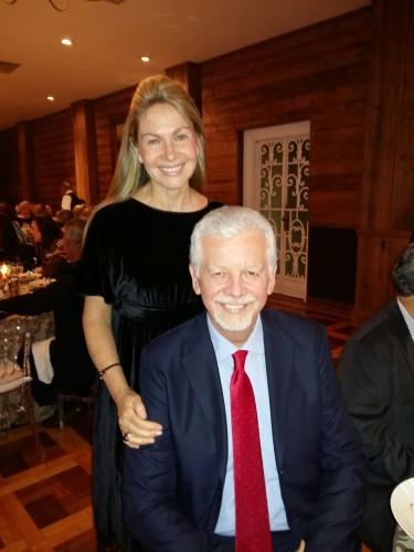 A deputada estadual Regina Becker Fortunati e o marido, o prefeito José Fortunati, prestigiaram o jantar. (Foto: Reprodução)